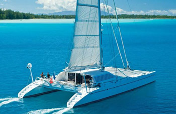 bahamas yacht charter rent skippered crewed bareboat sailing yachts boats catamarans