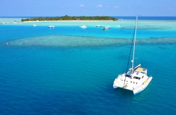 maldives yacht charter rent skippered crewed bareboat sailing yachts boats catamarans